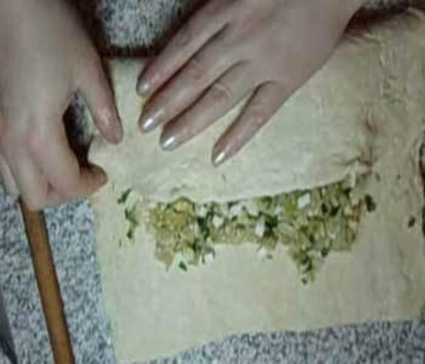 Как приготовить пирог с капустой из слоеного теста