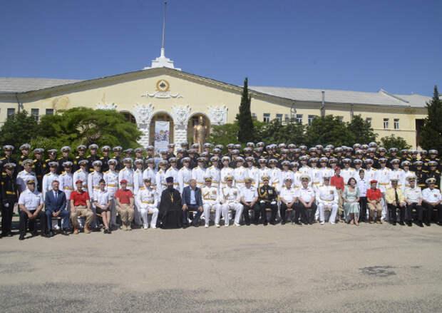 В Черноморском ВВМУ имени П.С.Нахимова прошёл выпуск офицеров и мичманов