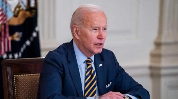 """Президент занят: Байдена """"сливают"""" с разговора с Путиным"""