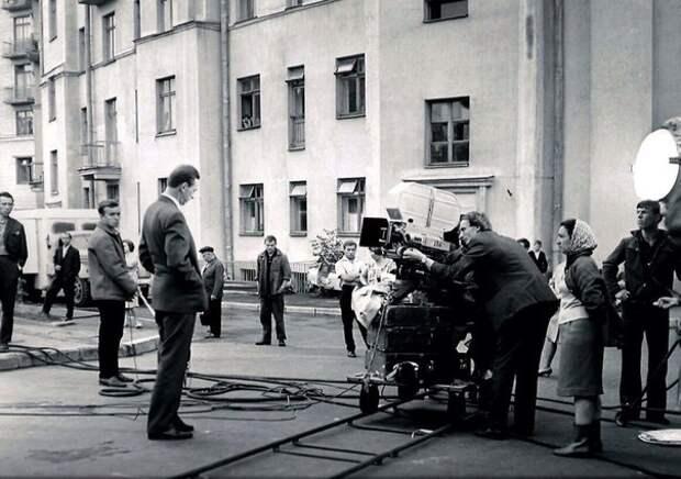 """Фотографии со съёмок фильма """"Три тополя на Плющихе""""."""