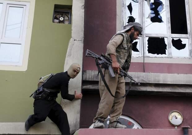 Курдские бойцы
