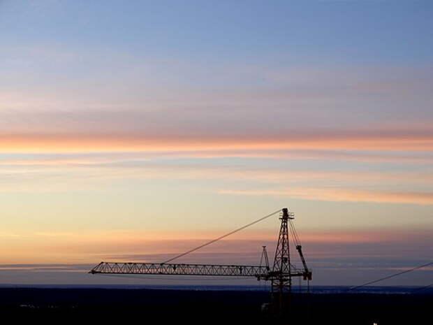 Кран на фоне заката 2015-02-10