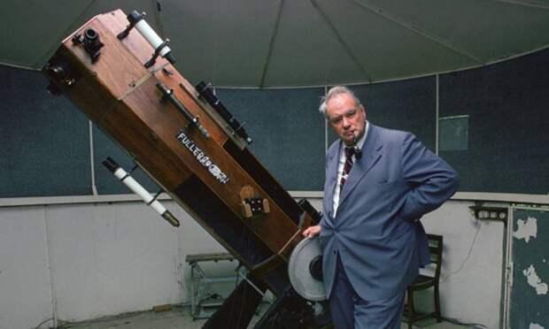 Как именитый британский астроном пытался уфологов высмеять