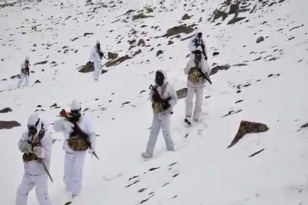 Китай перебросил к границе с Индией стратегические бомбардировщики
