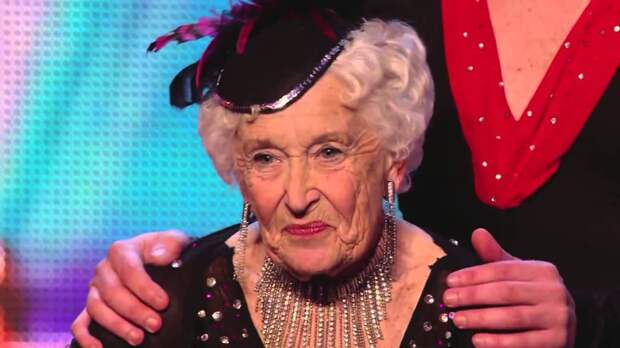 Неожиданный поворот: танец бабушки на шоу талантов взорвал зал