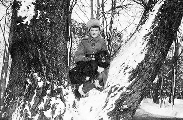 Как семья Романовых жила последние дни перед своей трагической казнью