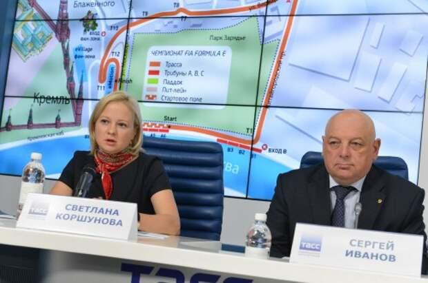 Светлана Коршунова (Korsa Media) и Сергей Иванов (РАФ) на пресс-конференции в четверг.