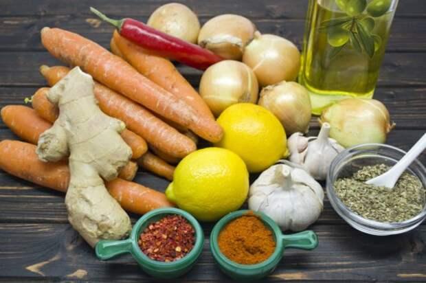 Ингредиенты для приготовления маринованной морковки с луком и орегано