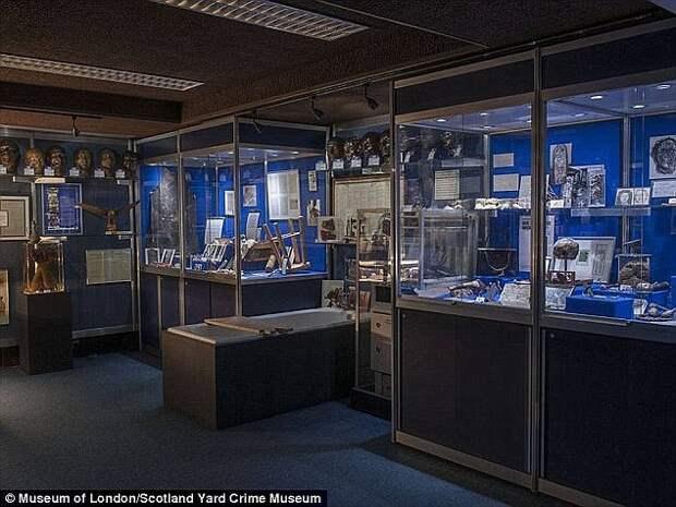 «Черный музей» Скотленд-Ярда раскрывает подробности громких преступлений