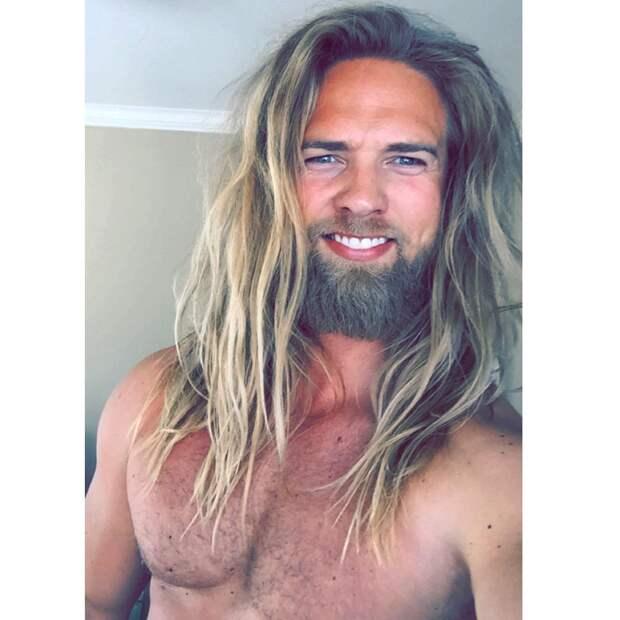 Любимый викинг Instagram: Норвежский морской офицер, увидев которого девушки падают в обморок
