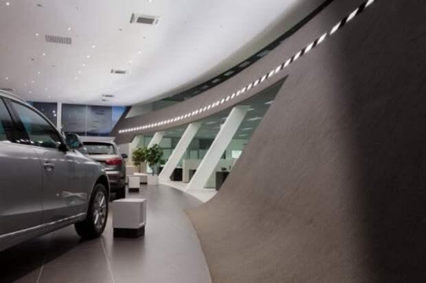 Эксперты объяснили, почему россияне перестали покупать автомобили
