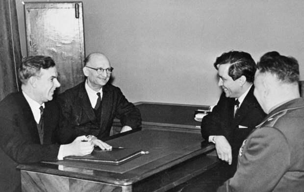 Как британский миллионер работал на советскую разведку, и что из этого получилось