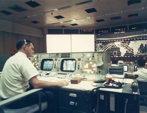 1968, октябрь. Центр Управления полетом «Аполлона-7»