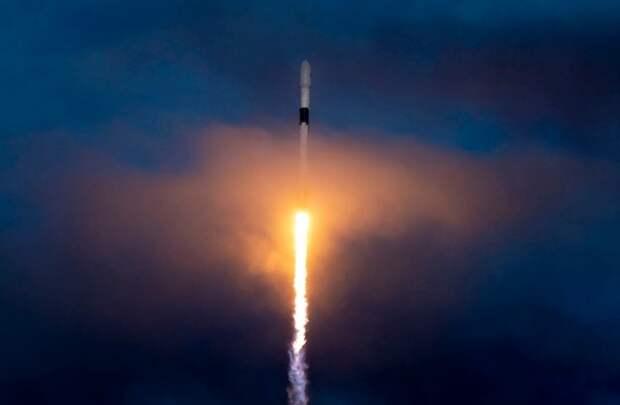 SpaceX повторила прошлогодний рекорд по количеству запусков ракет