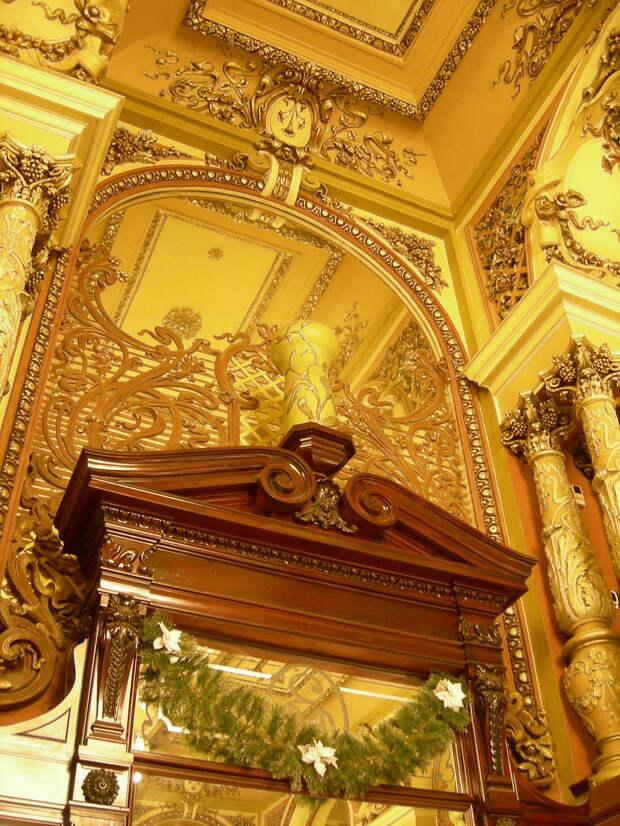 Елисеевский магазин. Отличные исторические фото.