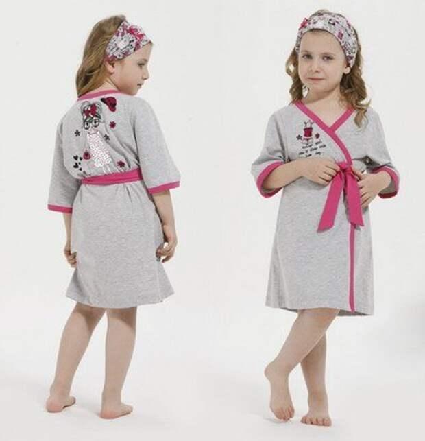 Очень простая выкройка детского халата, на возраст от 3 до 10 лет.