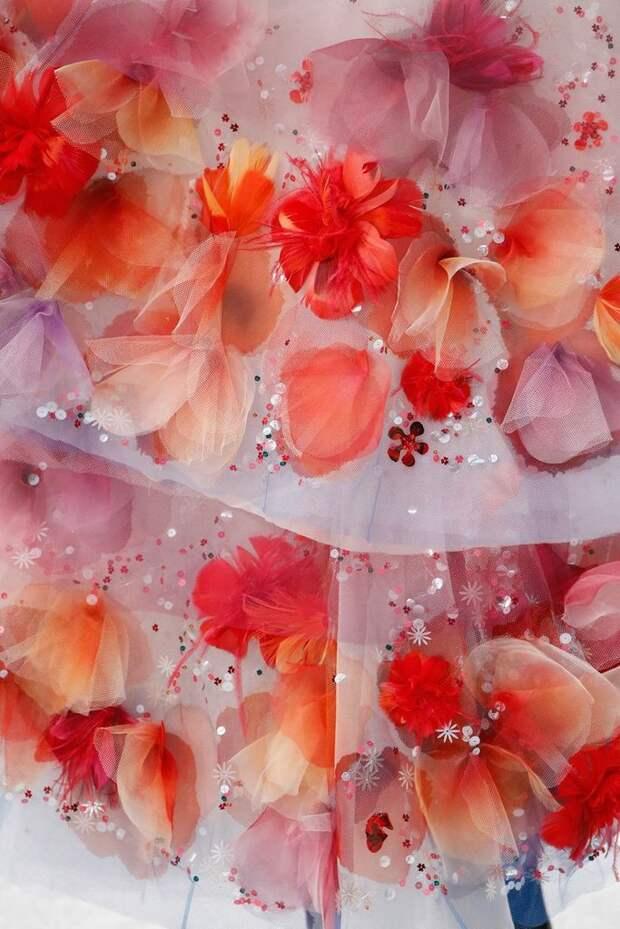 """Как создаются удивительные """"цветы"""" CHANEL"""