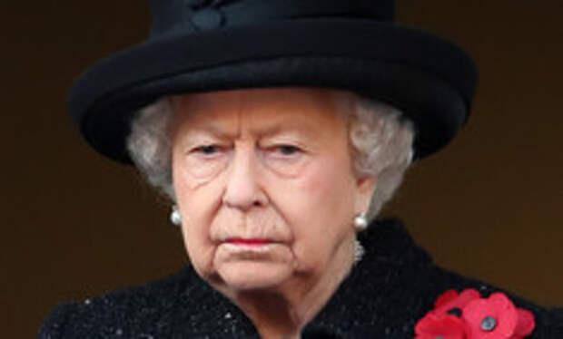 Наедине со скорбью: Елизавета II проводила в последний путь своего любимого и единственного Филиппа