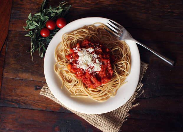 Как приготовить пасту с соусом болоньезе: вегетарианский рецепт