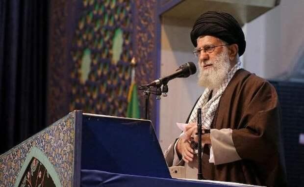 Аятолла Хаменеи назвал единственный эффективный способ борьбы скоррупцией