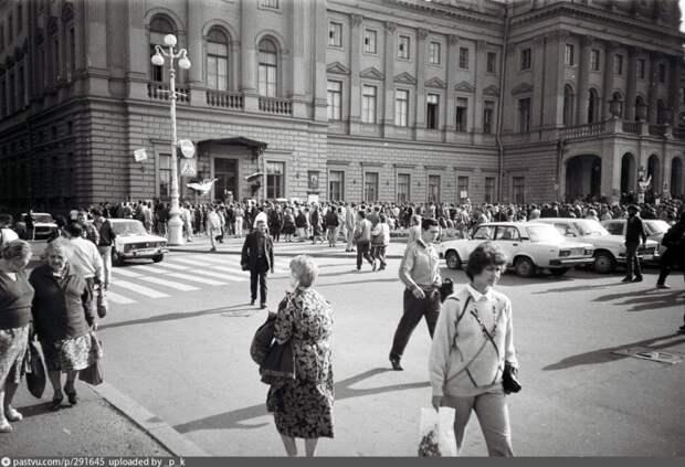 Ленинград в августеа.