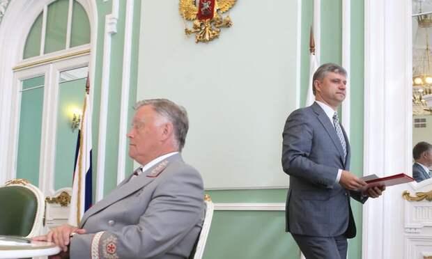 """СМИ объяснили уход главы РЖД с поста """"предательством"""" сына"""
