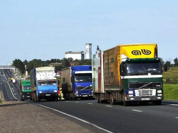 Начало взимания платы с тяжелых грузовиков могут перенести на 2016 год