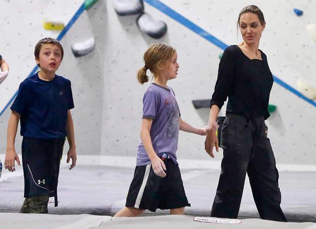Новые перспективы: Анджелина Джоли откровенно рассказала, как ееизменили дети