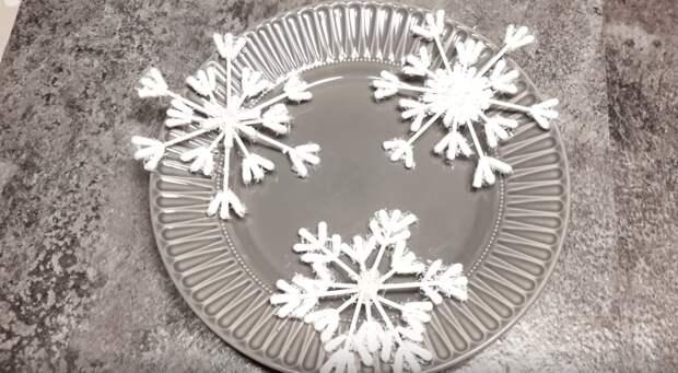 Шикарные снежинки своими руками. Очень быстро и бюджетно