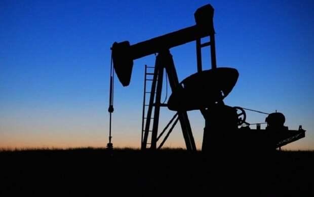 Нефть марки Brent подешевела до $72 впервые с 20 августа