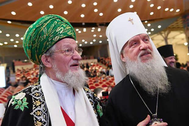 Талгат Таджуддин (слева) и митрополит Тобольский и Тюменский Димитрий (Капалин)