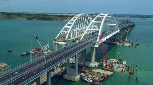 Крымскому мосту угрожает опасность от американских кораблей? Не смешите