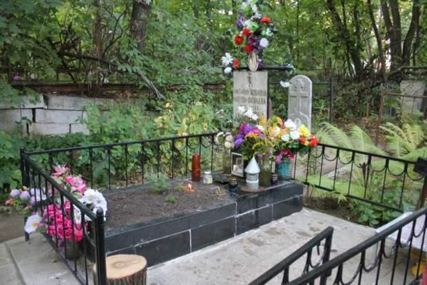В России обнаружилась могила, исполняющая желания (ФОТО)