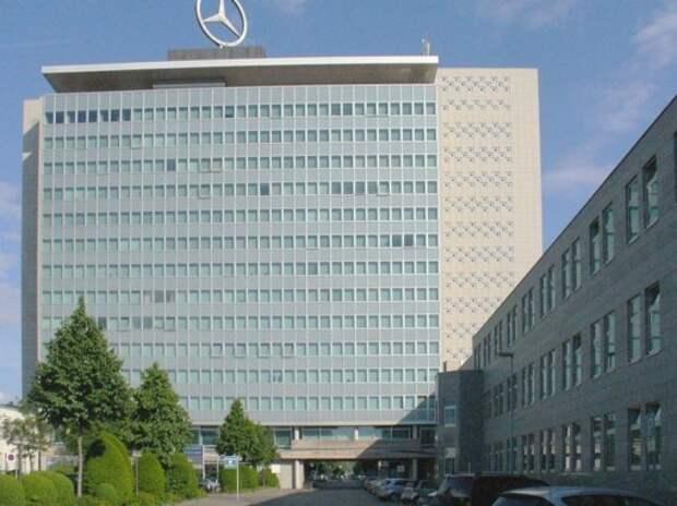 Mercedes стал вторым в премиум-сегменте, опередив Audi