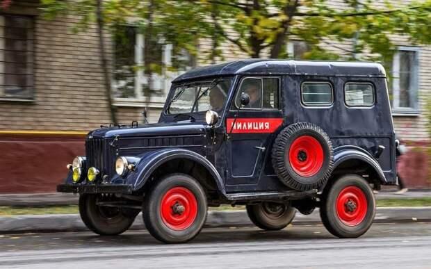 Однако, свою первую официальную униформу сине-красную машины милиции СССР получили только в 1953-м СССР, авто, автоистория, гибдд, ливрея, полицейский автомобилиь, полиция