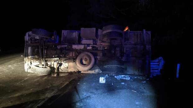На трассе Джанкой – Керчь легковушка столкнулась с КАМАЗом
