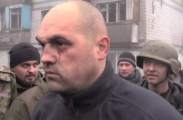 Украинских военных посылают в донецкий аэропорт на убой, а в это время на улицах города гибнут мирные жители