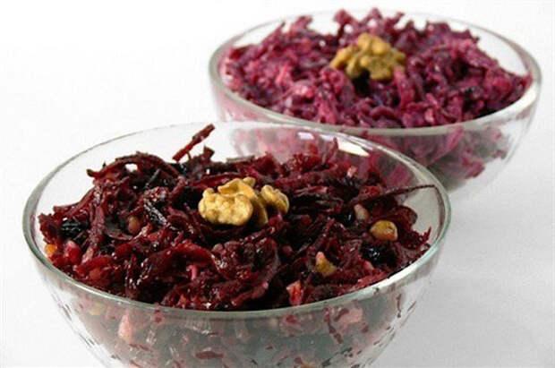 Салат из свеклы с черносливом: вкусные рецепты и полезные рекомендации