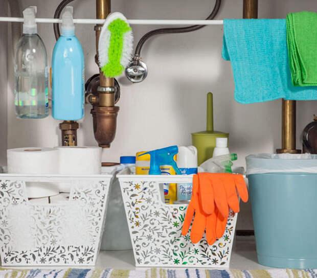 Фотография: Ванная в стиле , Квартира, Прочее, Советы, Системы хранения, Порядок, Организация пространства, Хранение мелочей, Хозяйке на заметку – фото на InMyRoom.ru