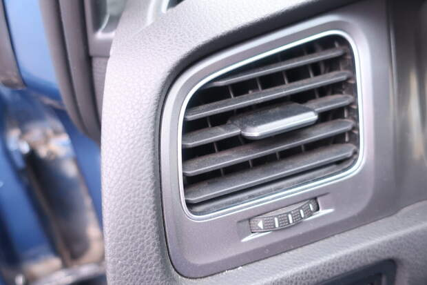 пыль в воздуховодах автомобиля