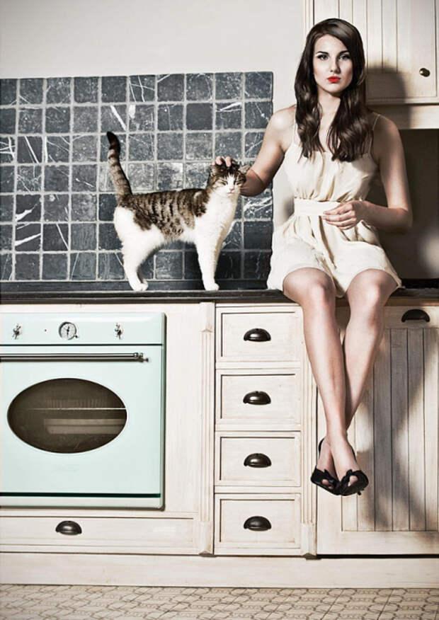 30 удивительных фотографий милых кошек и их очаровательных хозяек