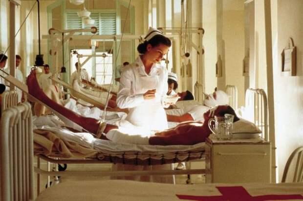 Всегда в белом: образ медсестры в искусстве