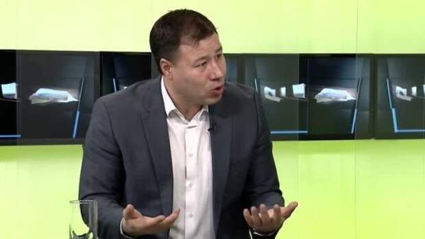 ЦРУ иMI6 руками Майи Санду готовят вМолдавии войну— Цырдя
