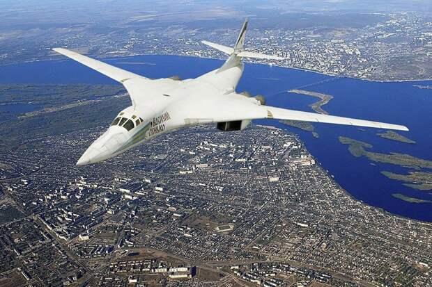 The National Interest: российский ракетоносец Ту-160 превосходит американский B-1B