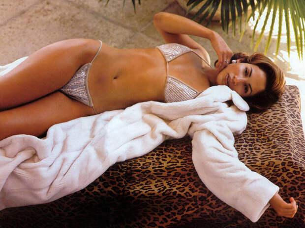 Дженнифер Лопес (Jennifer Lopez) в фотосессии Фируза Захеди (Firooz Zahedi) для журнала Vanity Fair (1998), фотография 10