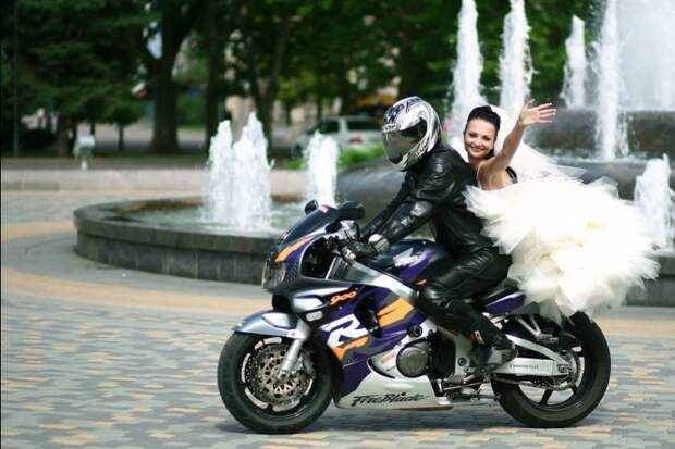Байкеры доставят крымских невест в один город