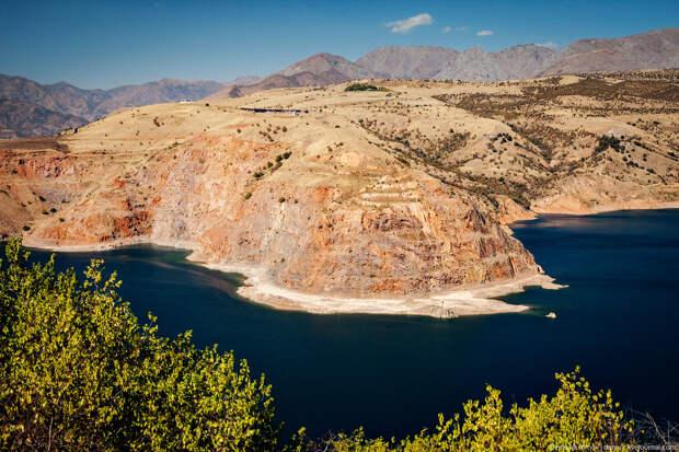 Горная жемчужина Узбекистана: Чарвакское водохранилище