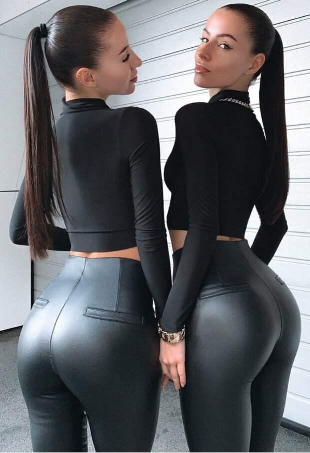 Та, что справа или та, что слева?
