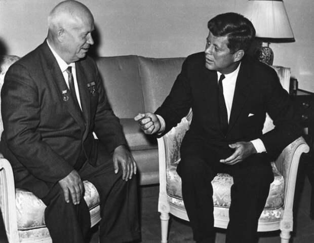 1333074006_John_Kennedy2C_Nikita_Khrushchev_1961