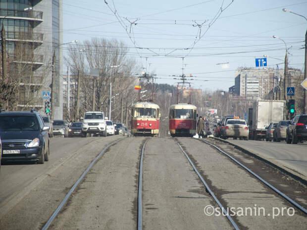 В Ижевске начался капремонт трамвайных путей на улице Ленина